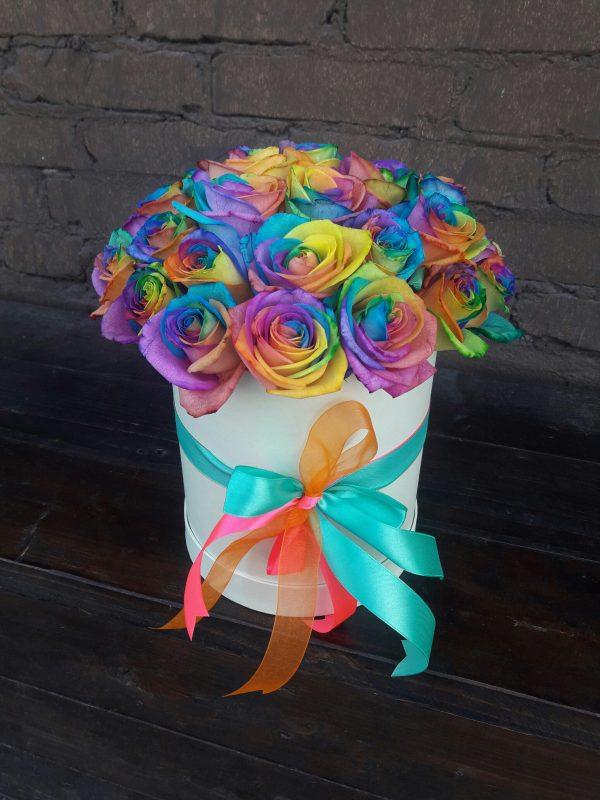 Радужные розы в коробке 25 штук